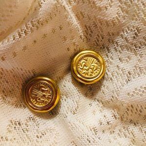 Jewelry - Vintage Fleur de Lis clip on earrings!